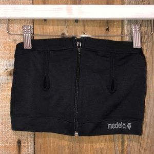 Medela black pumping bra size M